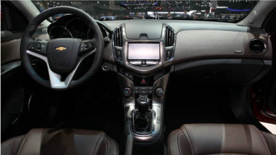 Chevrolet-Cruze-Station-Wagon-Int
